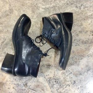 Nine West Navy Leather lace-up Ankle Boots 9M
